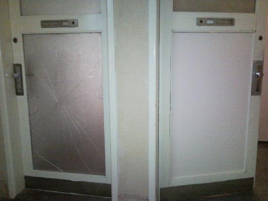 Andant Apartments Stepanska : Door to room