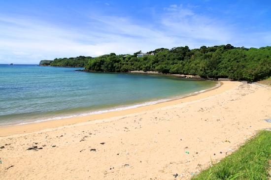 Satohama Beach: 人も少なく白砂がきれいな里浜ビーチはプライベートビーチ