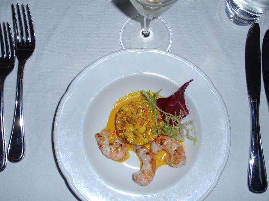 Restaurant Krebsegaarden : First Course: House Crayfish Salad