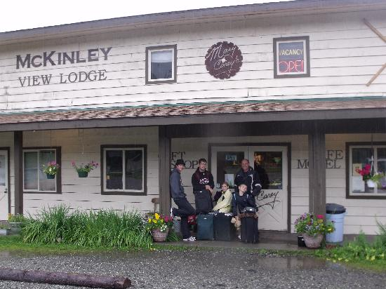 McKinley View Lodge: On the outside it doesn't look like much- but there is a hidden gem inside.