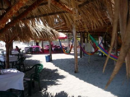 Zacatecoluca, Salwador: beachside hammock