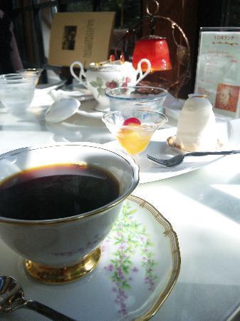 Ryozan : 喫茶プロヴァンスのケーキが頂けます。