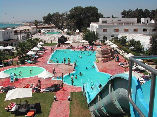 Bousten Long Beach Club: vue d'ensemble