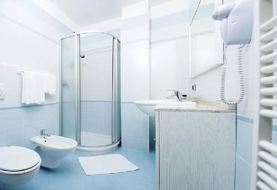 Hotel Cristallo: bagno - toilette