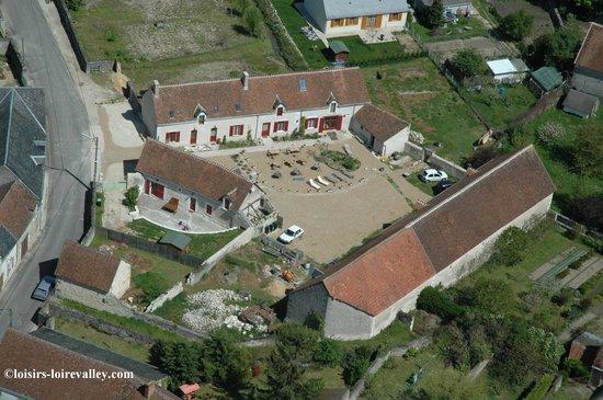 Pontlevoy, France: vue aerienne de la ferme