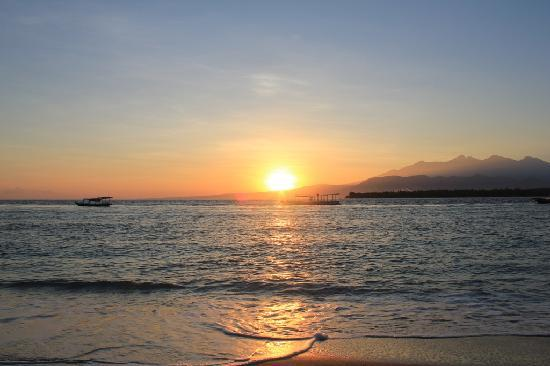 Manta Dive Gili Air Resort: Sunrise