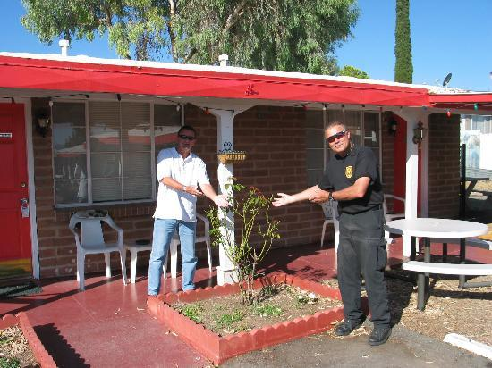 Trail Rider's Inn Motel : Two SWAT guys and a rose bush