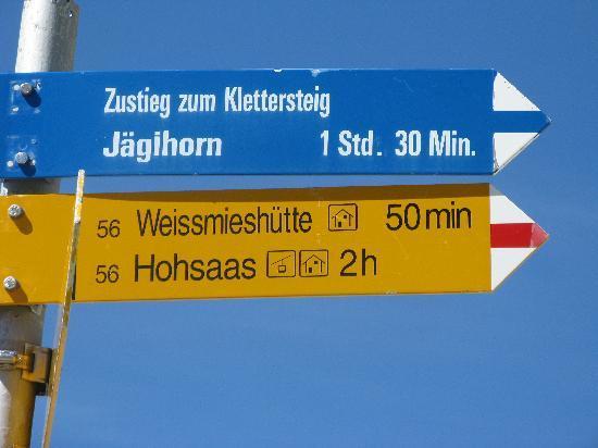 Weissmies Hut : Wegweiser zur Weissmiehsütte