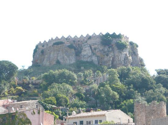 Aiguaclara Hotel: Castle on the hill destoryed by Napolean's army