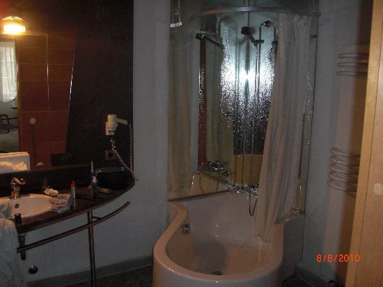 Hotel Schiefes Haus Ulm : Badezimmer