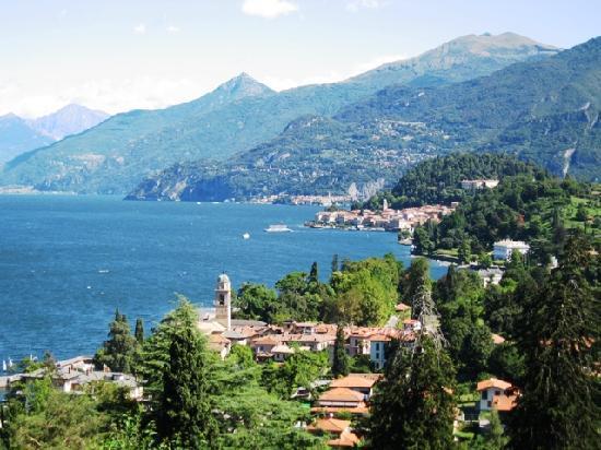 Borgo Le Terrazze: Bellagio in the distance