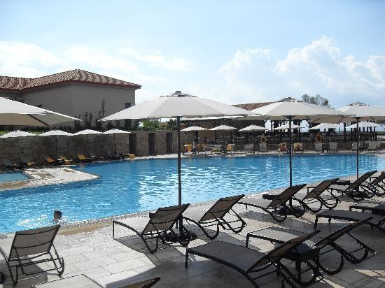 Apollonion Resort & Spa Hotel: the pool