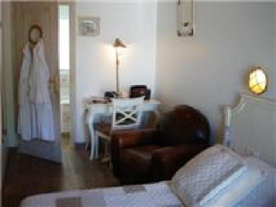 Hotel Restaurant & SPA Plaisir: CHAMBRE