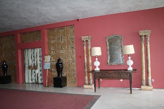 Hotel Algarve Casino: restaurant entrance
