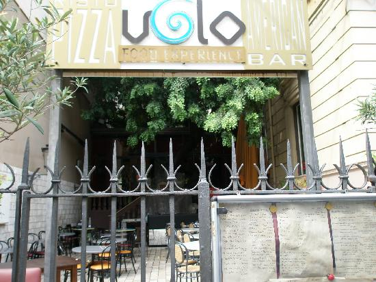 Volo: outside the restaurant
