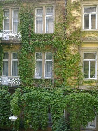 Radisson Blu Schwarzer Bock Hotel: Der Innenhof