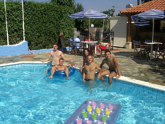 Hotel Villa Anna: tutti in piscina