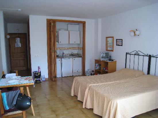 El Coto Apartments