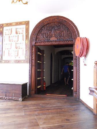 Chavda Hotel Ltd: hallway