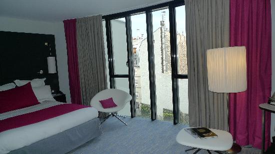 Renaissance Paris Arc de Triomphe Hotel: Beautiful Room