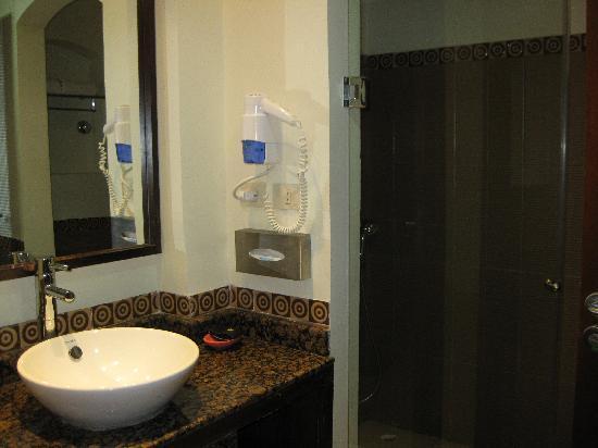 Bagno con doccia enorme picture of swiss inn dream resort taba