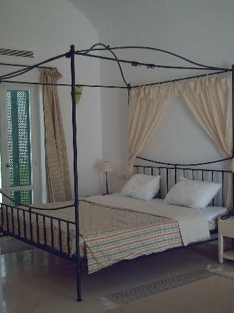 Hotel Residence Villa Noria: lit king size