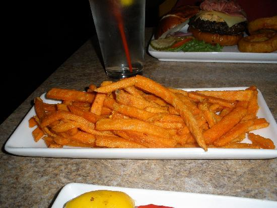 Shoeless Joes Ale House & Grille: sweet potato fries side $3