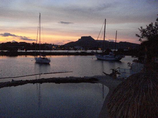 Limestone Holiday Resort : Another beautiful sunrise
