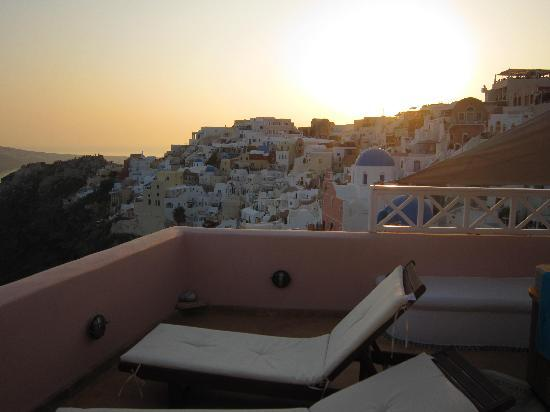 Art Maisons Luxury Santorini Hotels Aspaki & Oia Castle: view from the terrace at sunset
