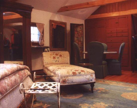 Jingle Bell Bed and Breakfast : Additional view of quarters
