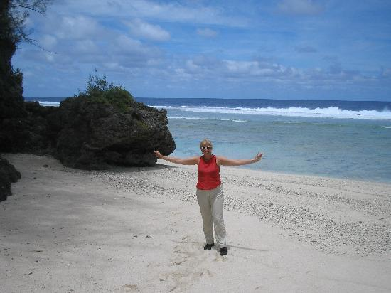 Southern Cook Islands, Cookinseln: Capt Cooks beach Atui