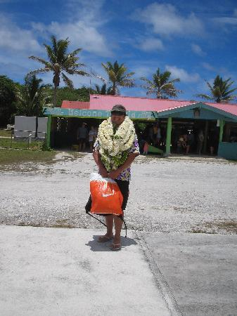 Southern Cook Islands, Cookinseln: At the airport