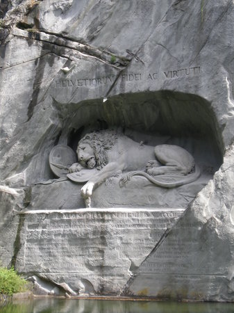 Luzern, Zwitserland: Dying Lion of Lucerne Monument