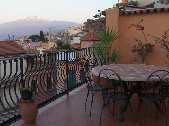 Mamma Maria: Etna seen from my terrace
