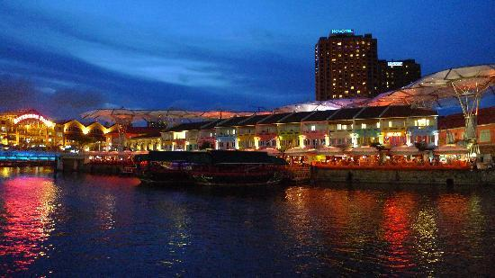 Singapore River, Сингапур: Clarke Quay - early evening