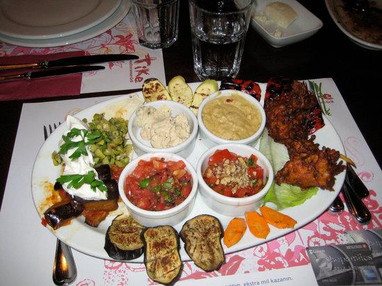 Nuar Restaurant : main dish (vege) at Tike