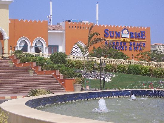 SUNRISE Garden Beach Resort -Select- : Hotel Frontage