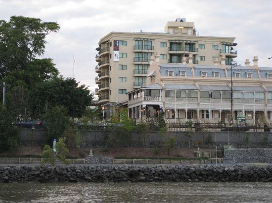 Central Cosmo Apartments: Apartments from the river