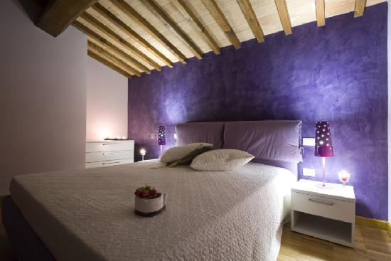 camera da letto - picture of borghetto poggio bianco, radicondoli ... - Bianco In Camera Da Letto