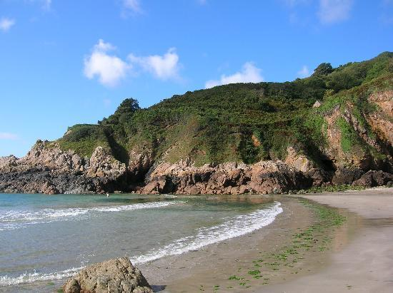 Clifftop Cottages: nearby Petit Bot Bay