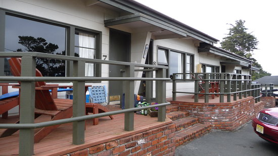 Agate Beach Motel: front porch