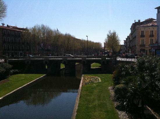 Mercure Perpignan Centre : River In Perpignan Centre