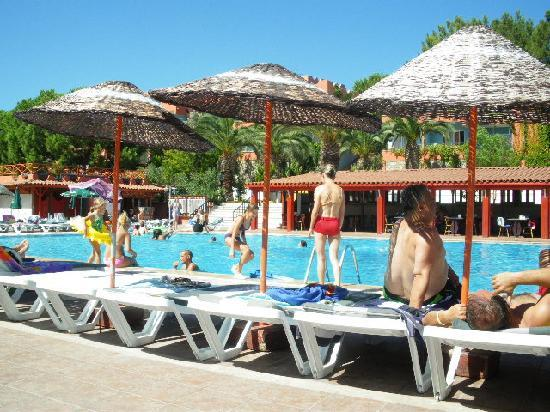 Pigale Beach Resort: piscine