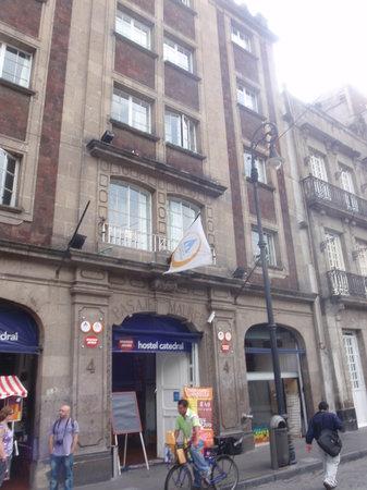 Hostel Mundo Joven Catedral: Aussenanschicht
