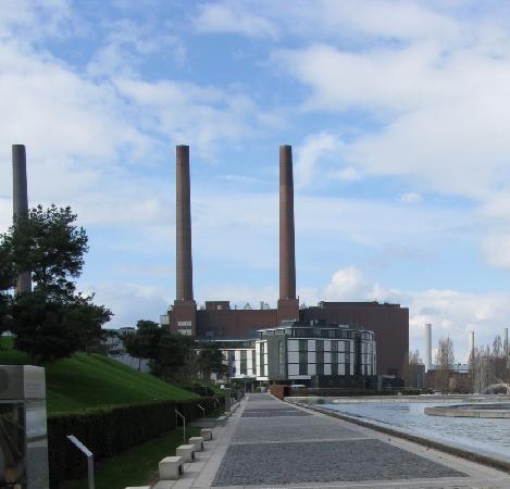 The Ritz-Carlton, Wolfsburg: Zufahrt zum Ritz Carlton Wolfsburg