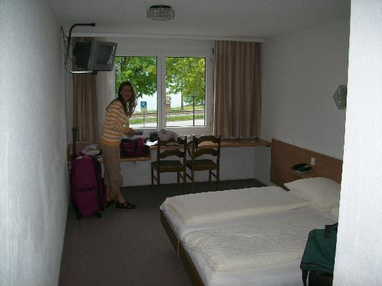 Hotel Hirschen-Cafe Seehof: Our room