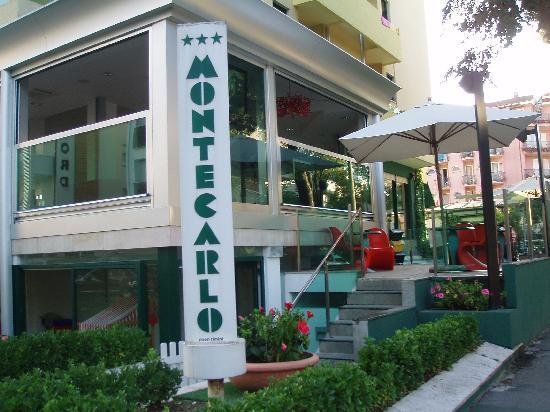 Hotel Montecarlo: INGRESSO...