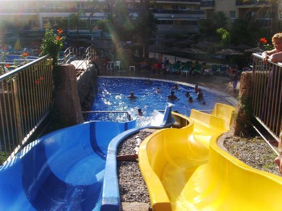 Rosamar Garden Resort: Toboganes