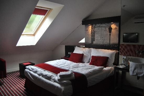 6th floor red double room picture of red blue prague for Design hotel prague tripadvisor