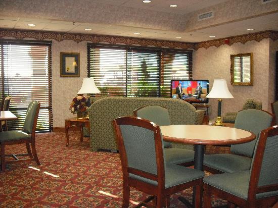 Hampton Inn Winfield/Teays Valley: Breakfast area